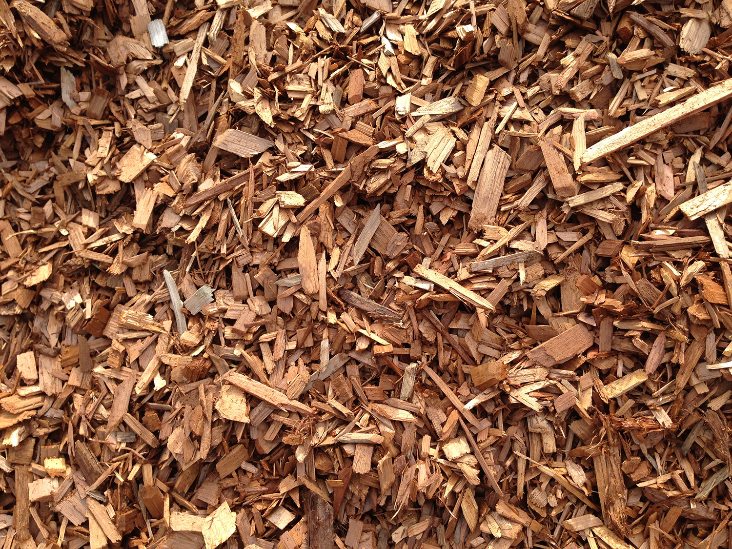Cedar Wood Chips ~ Cedar chip mulch images v p s topsoil london